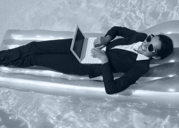 How to Stay On Track When Employees Are On Vacation